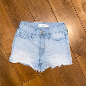 A&Fitch size 00 short
